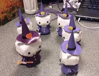 Halloween-Witch-Hello-Kitty-Papercraft