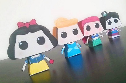 display_princess_paper_toy